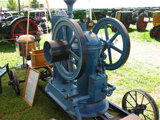 1903 Inverted Hart Parr oil engine